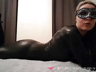 JOI - French MILF dressed with leather - Vends-ta-culotte