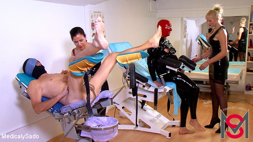 Anna & Lady Patricia & Actor X & El Bicho in Two Submissive'S Punishment - KINK