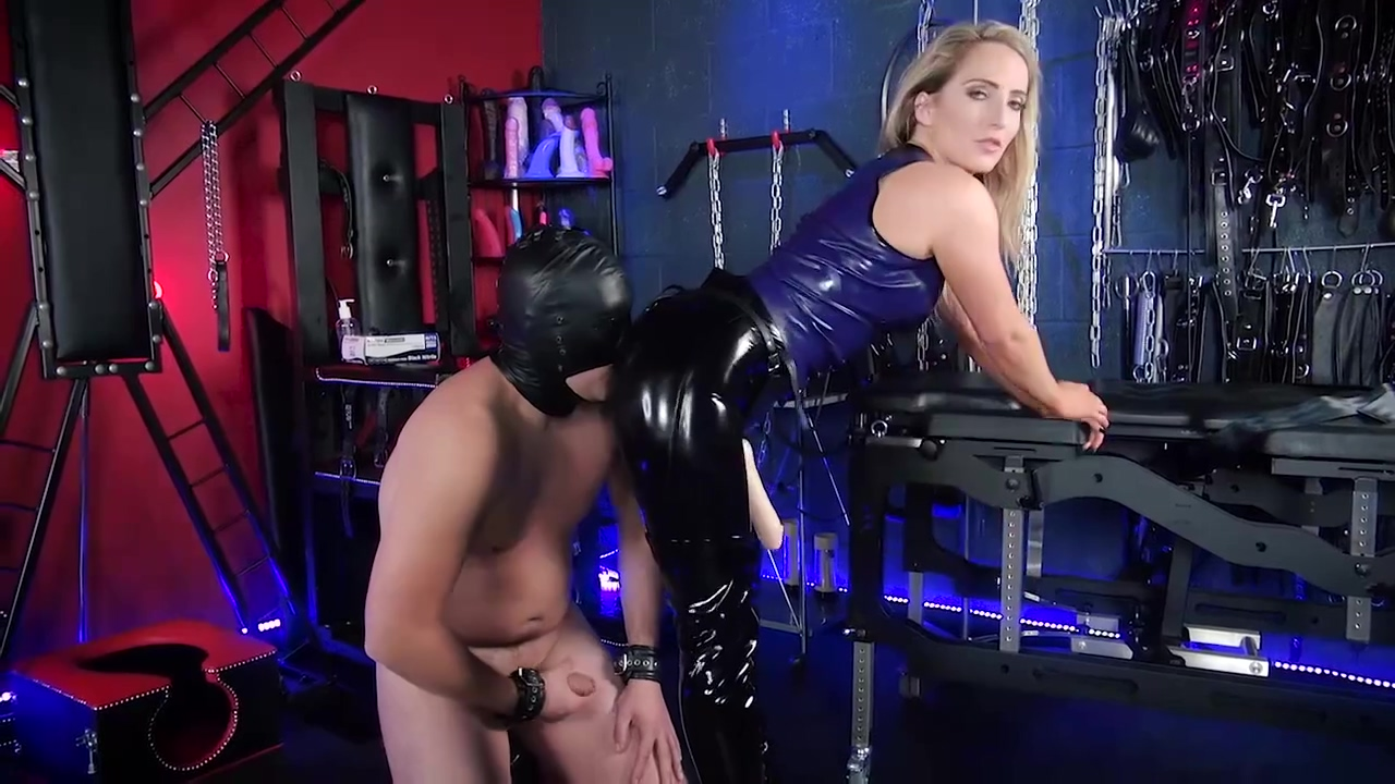 Mistress Courtney Pegging