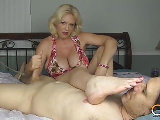 Old blonde feet & Handjob