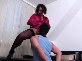 Nylon milf Train richie for pussy licking