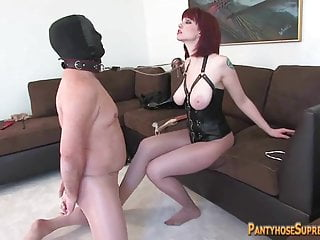 Mistress Sidney dominates and squirts