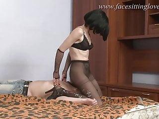 Facesitting femdom action