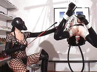 Sissy Slut in Extrem Bondage