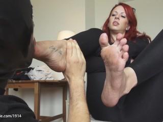 Miss Crash Dirty Footworship 720p