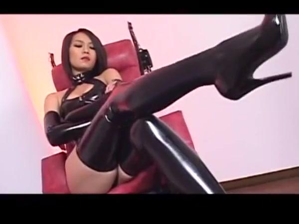Japanese femdom   strapon
