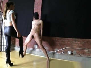 Sasha Foxx - ballbusting video