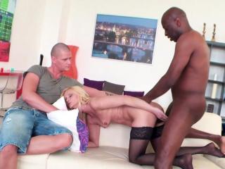 Mature Wife Scarlet Mika Fucks Black Guy