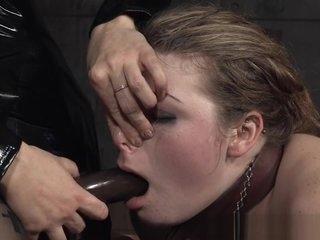 Bootylicious slave getting flogged by femdom