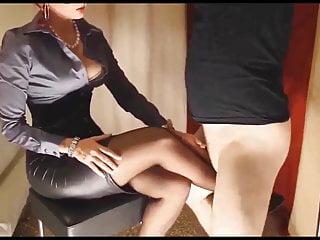 Governess Quinn wants cum on legs...