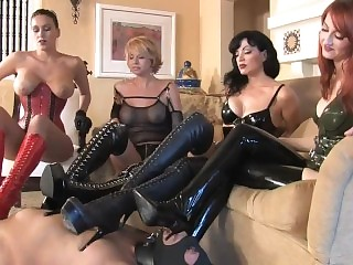 ClubDom - Doms in Boots