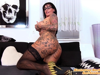 german amateur big tits tattoo femdom milf and lick slave