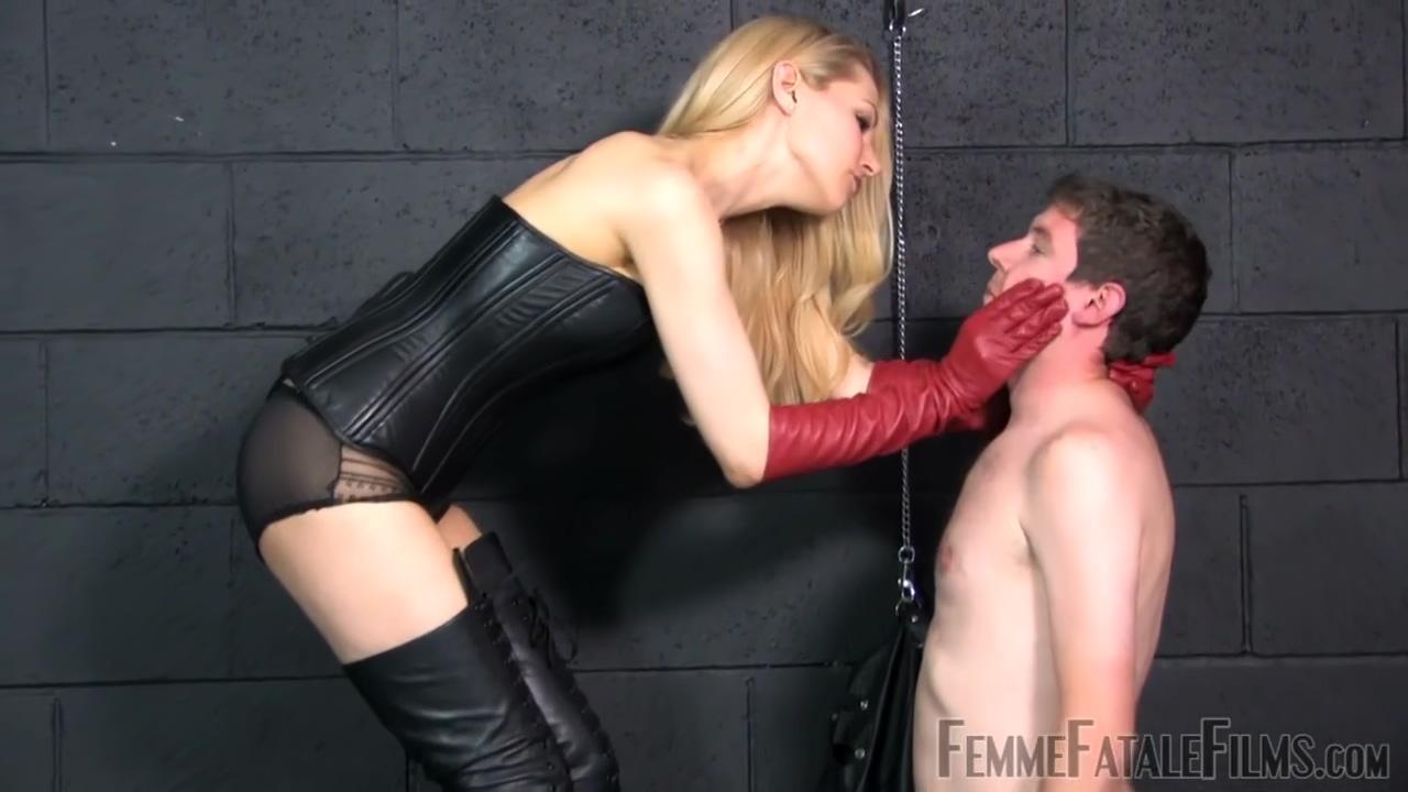 Mistress Eleise De Lacy Faceslapping