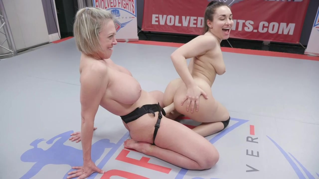 MILF with huge tits destroys tiny female in Nude wrestling match - KINK