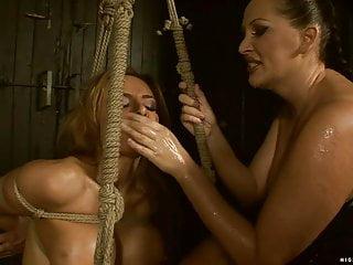 Bonny Bon + Mandy Bright, Anal Fisting