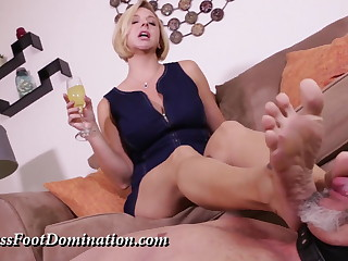Mistress Briana Dominate