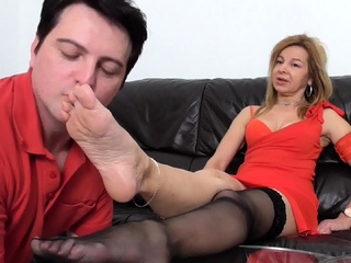 milf Bianca and foot slave bobby