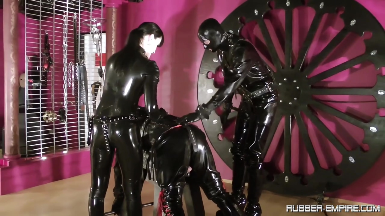 Amator - Cheyenne de Muriel - Rubber Until the Doctor C