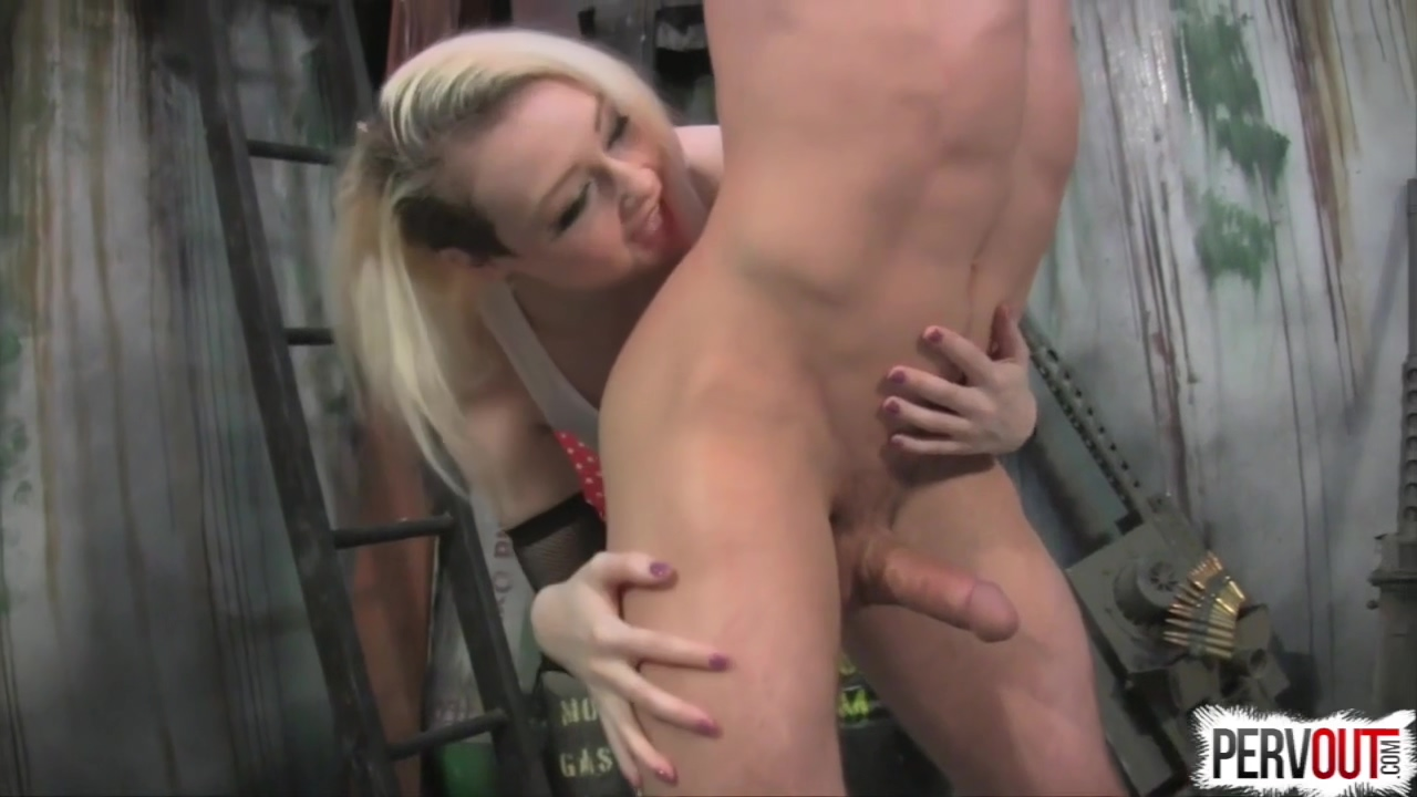 Femdom Porn - Captured By Tank Girl