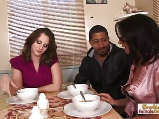 mother finally meets not her step daughters boyfriend